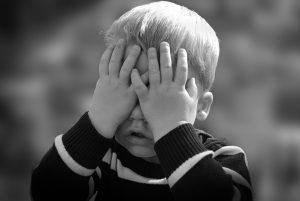 Kind lernt Selbstzweifel
