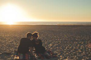 selbstliebe beziehung paar am strand